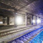 Voor de compartimentering van de tunnelkokers van Brussel Kapellekerk over Brussel Centraal en tot Brussel Congres heeft ICOMET 81 brandwerende schuifdeuren langs de sporen geplaatst.