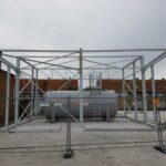 Voor De Lijn hebben we rond een opslagtank een metalen afdak geplaatst in Knokke