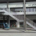 Metalen trap met balustrades aan Dok-Noord in Gent