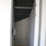 Een stalen heinendeur voor shoppingcentrum Imber