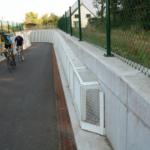 Afwerking uit strekmetaal aan het fietspad voor Infrabel